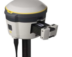 Trimble R2 GNSS studio closeup 450 batterydoor_353
